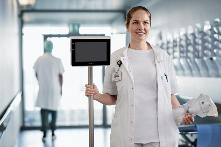 Medical assistant with medical device